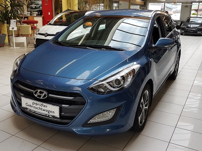 Hyundai i30 CW 1,4 CRDi Europe Plus DPF bei BM || Autoschober in
